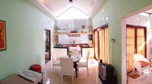 Onim Humble Home Palagan, Prázdninové domy  Yogyakarta - big - 1