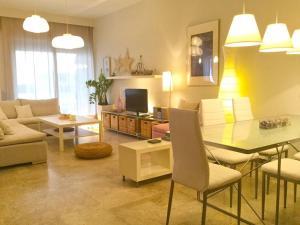 R M Home Luxury Apartment