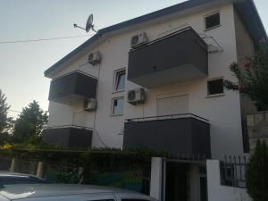 Apartmani <3 TRI SRCA <3