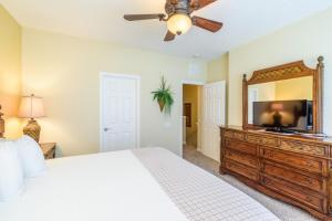 Three-Bedroom TidecreStreetVilla #4004, Vily  Orlando - big - 22