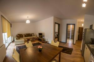 Boson Rent Apartament Sibiu, Apartmány  Sibiu - big - 9