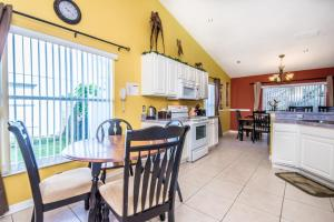 Four-Bedroom Oak Apartment #1561, Ferienwohnungen  Orlando - big - 19