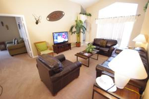 Three-Bedroom Safari Lodge Villa, Villas  Orlando - big - 5