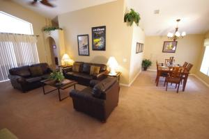 Three-Bedroom Safari Lodge Villa, Villas  Orlando - big - 3
