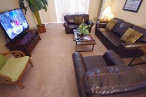 Three-Bedroom Safari Lodge Villa, Villas  Orlando - big - 37