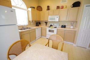 Three-Bedroom Safari Lodge Villa, Villas  Orlando - big - 38