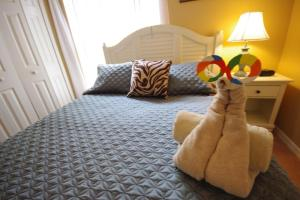 Three-Bedroom Safari Lodge Villa, Villas  Orlando - big - 28