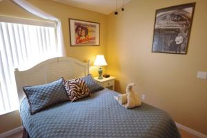 Three-Bedroom Safari Lodge Villa, Villas  Orlando - big - 25