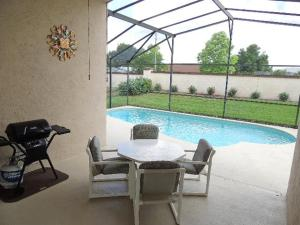 Three-Bedroom Safari Lodge Villa, Villas  Orlando - big - 9