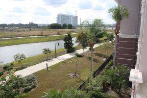 Three-Bedroom Waterside Apartment, Appartamenti  Orlando - big - 30