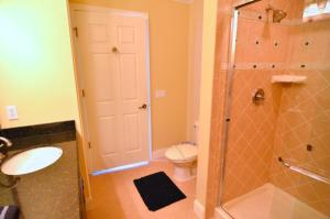 Three-Bedroom Apartment #7468, Apartmanok  Orlando - big - 10