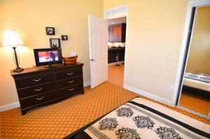 Three-Bedroom Apartment #7468, Appartamenti  Orlando - big - 7