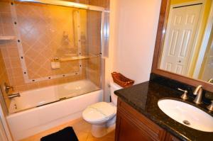 Three-Bedroom Apartment #7468, Apartmanok  Orlando - big - 6