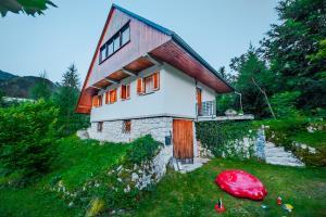A picture of Dedkova hiša/Grandpa's House