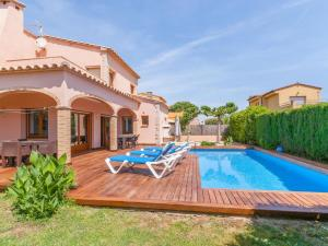 Holiday home Amfora 64, Holiday homes  Sant Pere Pescador - big - 19