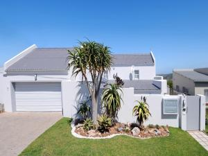 The Oyster Box Beach House, Bed & Breakfasts  Kenton on Sea - big - 8