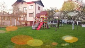 Holiday home Shery, Раковица