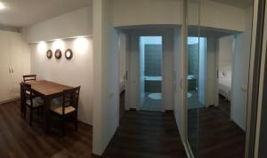 apartament gabriel, Appartamenti  Târgu Jiu - big - 7