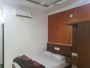 Hotel White House, Hotely  Guruvāyūr - big - 3