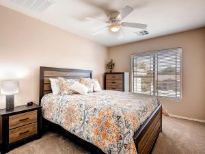Via Del Rancho Home, Holiday homes  Queen Creek - big - 10
