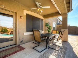 Via Del Rancho Home, Holiday homes  Queen Creek - big - 9