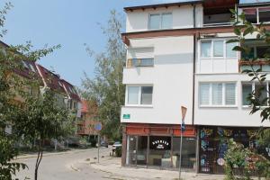 Apartment Iman