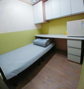 Easy Guesthouse, Guest houses  Changwon - big - 6