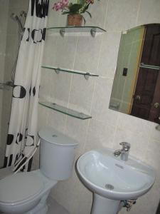 Makati Suites at Travelers Inn, Apartmánové hotely  Manila - big - 112