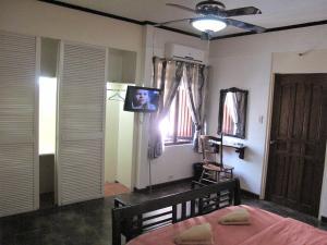 Makati Suites at Travelers Inn, Apartmánové hotely  Manila - big - 43