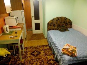 Apartment on b. Stroiteley 13