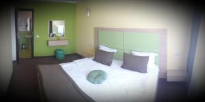 AMBER Hotel & Cafe, Hotely  Bohorodchany - big - 4