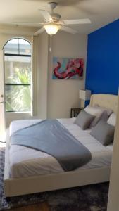 2 Bedroom Celebrity Loft