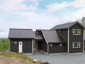 Four Bedroom Holiday Home in Sogndal