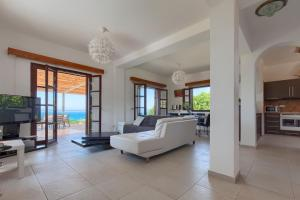 Argaka Sea View Villa No 1, Villas  Argaka - big - 13