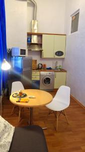 Apartment on Horodetskoho 4