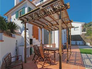 Four-Bedroom Holiday Home in St. Cebria de Vallalta, Ferienhäuser  San Cipriano de Vallalta - big - 6