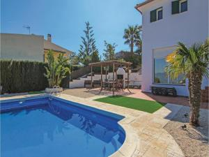Four-Bedroom Holiday Home in St. Cebria de Vallalta, Ferienhäuser  San Cipriano de Vallalta - big - 7