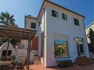 Four-Bedroom Holiday Home in St. Cebria de Vallalta, Ferienhäuser  San Cipriano de Vallalta - big - 8