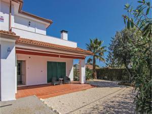 Four-Bedroom Holiday Home in St. Cebria de Vallalta, Ferienhäuser  San Cipriano de Vallalta - big - 5