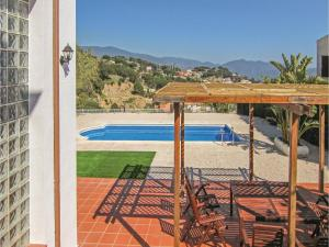 Four-Bedroom Holiday Home in St. Cebria de Vallalta, Ferienhäuser  San Cipriano de Vallalta - big - 35