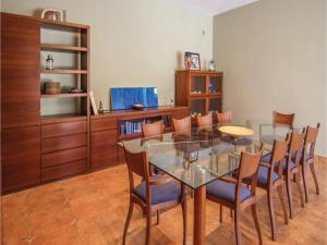 Four-Bedroom Holiday Home in St. Cebria de Vallalta, Ferienhäuser  San Cipriano de Vallalta - big - 19