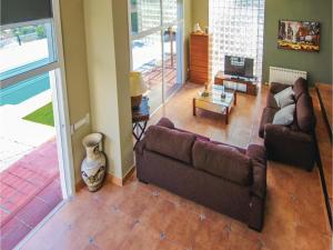 Four-Bedroom Holiday Home in St. Cebria de Vallalta, Holiday homes  San Cipriano de Vallalta - big - 18