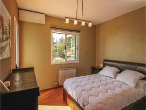 Four-Bedroom Holiday Home in St. Cebria de Vallalta, Holiday homes  San Cipriano de Vallalta - big - 26