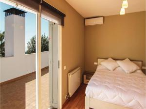 Four-Bedroom Holiday Home in St. Cebria de Vallalta, Holiday homes  San Cipriano de Vallalta - big - 15