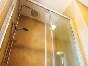 Four-Bedroom Holiday Home in St. Cebria de Vallalta, Ferienhäuser  San Cipriano de Vallalta - big - 12