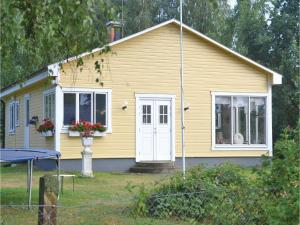 Two Bedroom Holiday Home in Beddinge Strand