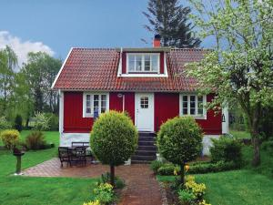 Three Bedroom Holiday home with a Fireplace in Sölvesborg