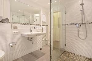 Landhaus _Berthin_Bleeg_ App_ 4 Bu, Appartamenti  Wenningstedt - big - 9
