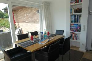 Suederwung 12 _ Appartement 1, Apartmanok  Wenningstedt - big - 22