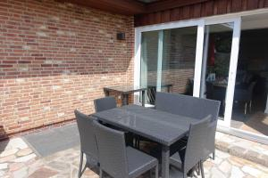 Suederwung 12 _ Appartement 1, Apartmanok  Wenningstedt - big - 18